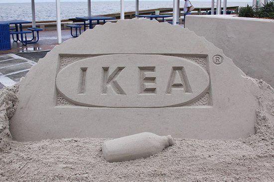 реклама IKEA на песке