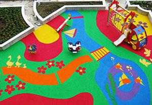Резиновое-покрытие-для-детских-площадок