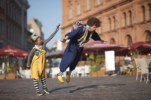 уличные клоуны